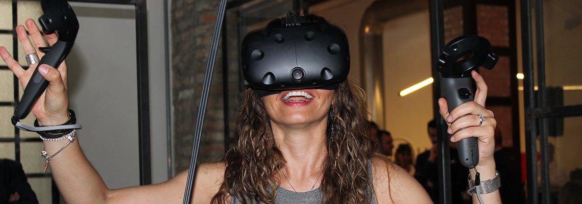 TT VR
